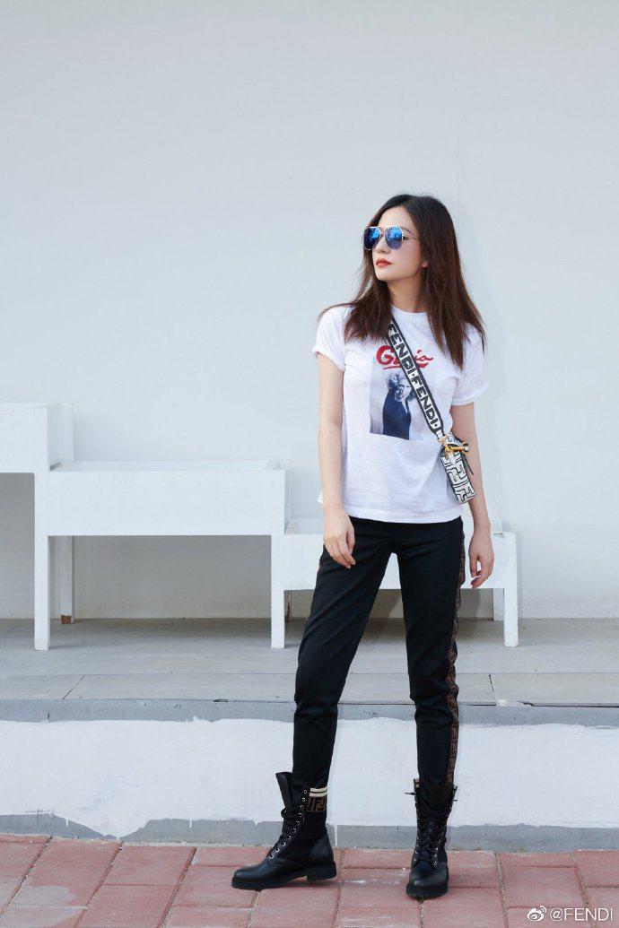 趙薇兼具多種特質包括帥氣、自信與柔美,成為FENDI大中華區代言人。圖/取自微博