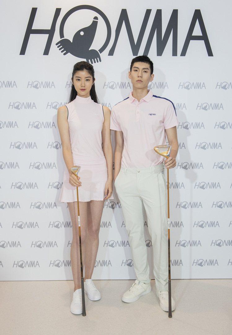 模特兒展示Honma白標系列服飾。圖/Honma提供
