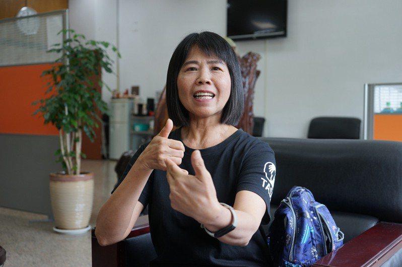 東部唯一領有手語翻譯乙級證照的劉秀緞,願意免費為不懂手語的聽障者開班授課。記者王燕華/攝影