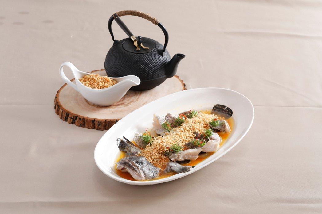 圓山金龍廳魚米之香。