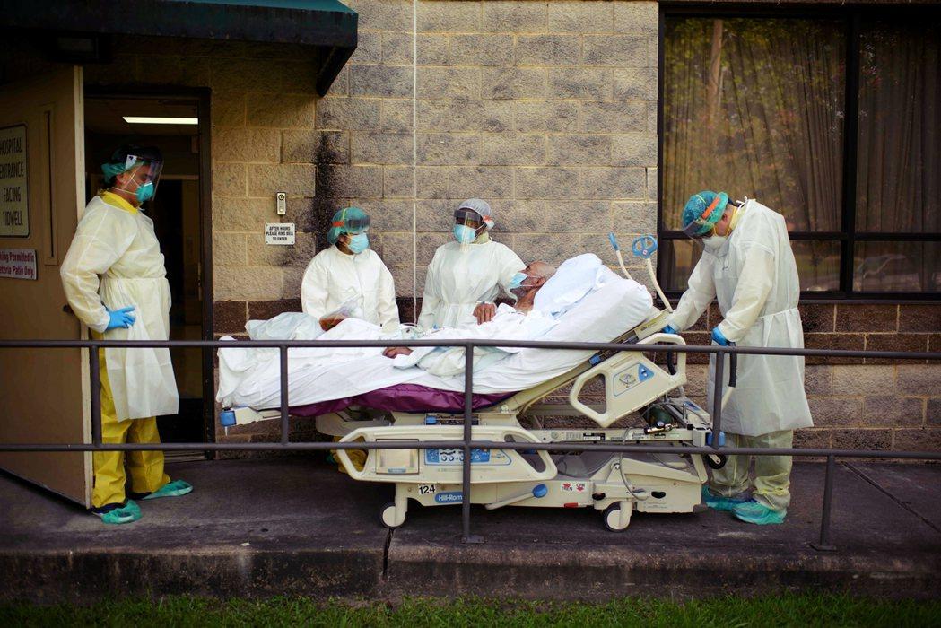 圖為7月初,美國德州的疫情。 圖/法新社