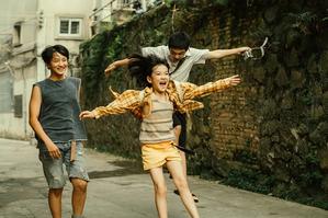 《隱密的角落》:理解離異家庭的複雜情感,接住渴望愛的孩子