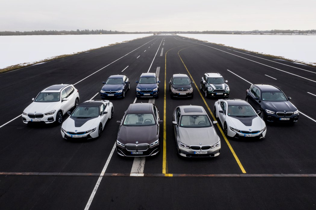 BMW AG的電動車軍團在今年上半年繳出了61,652輛的成績。 摘自BMW