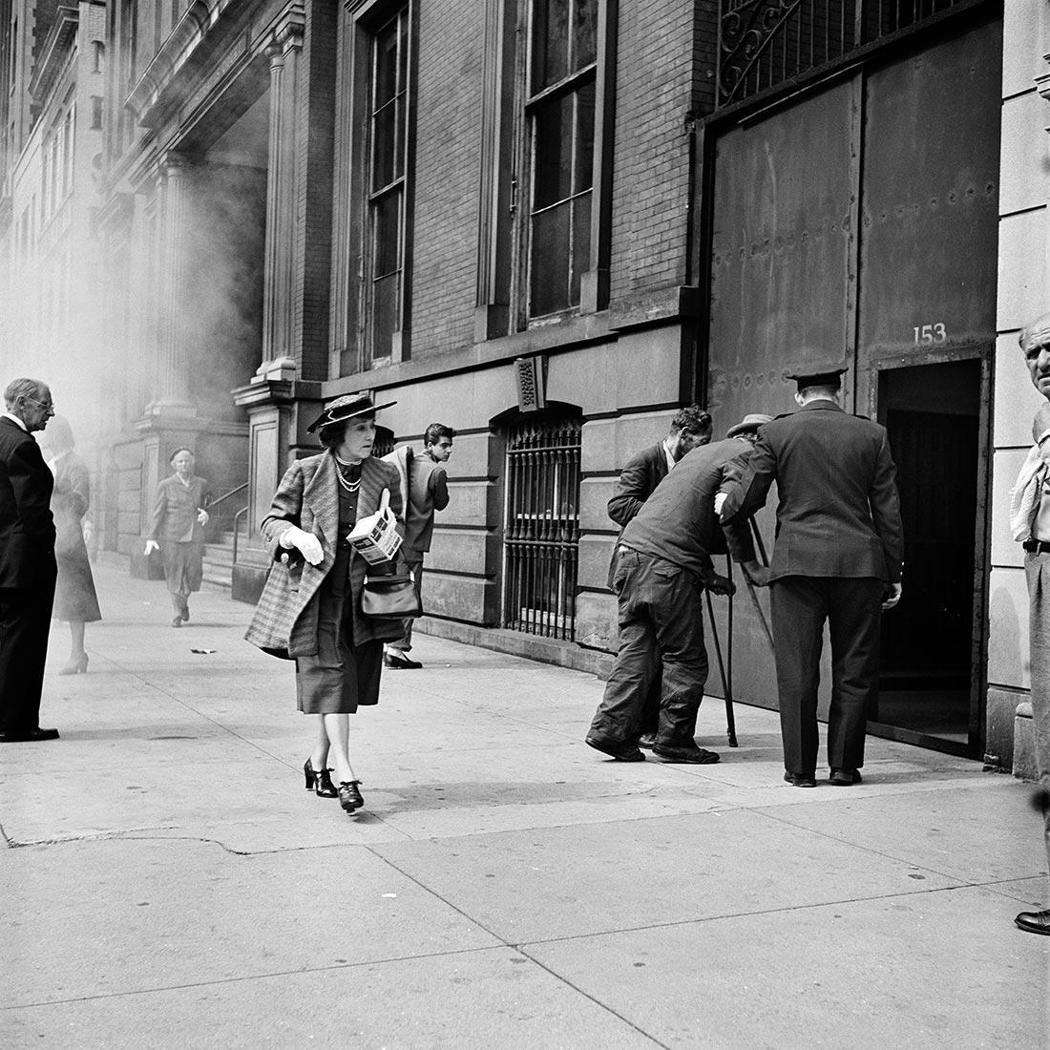 Fall 1953. New York, NY|Vivian Maier生前曾大...