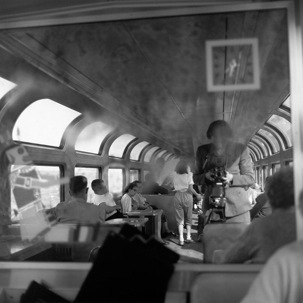 Self-Portrait, 1959|透過此張照片可看見,Vivian Mai...