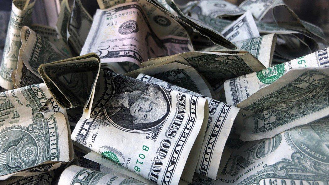 蕭特表示,白宮希望國會在8月第一周前通過新一輪經濟刺激方案,並希望支出規模訂在1...
