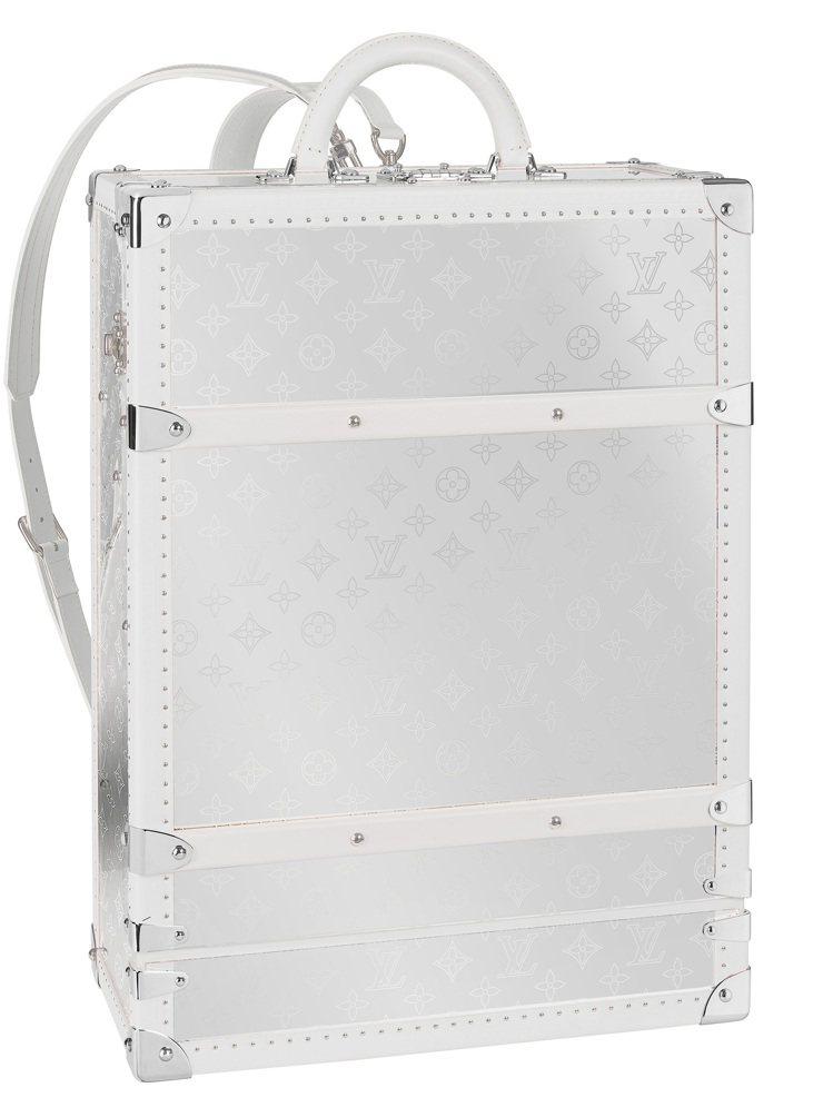 Monogram Mirror藍天白雲款後背包硬箱,150萬元。圖/LV提供