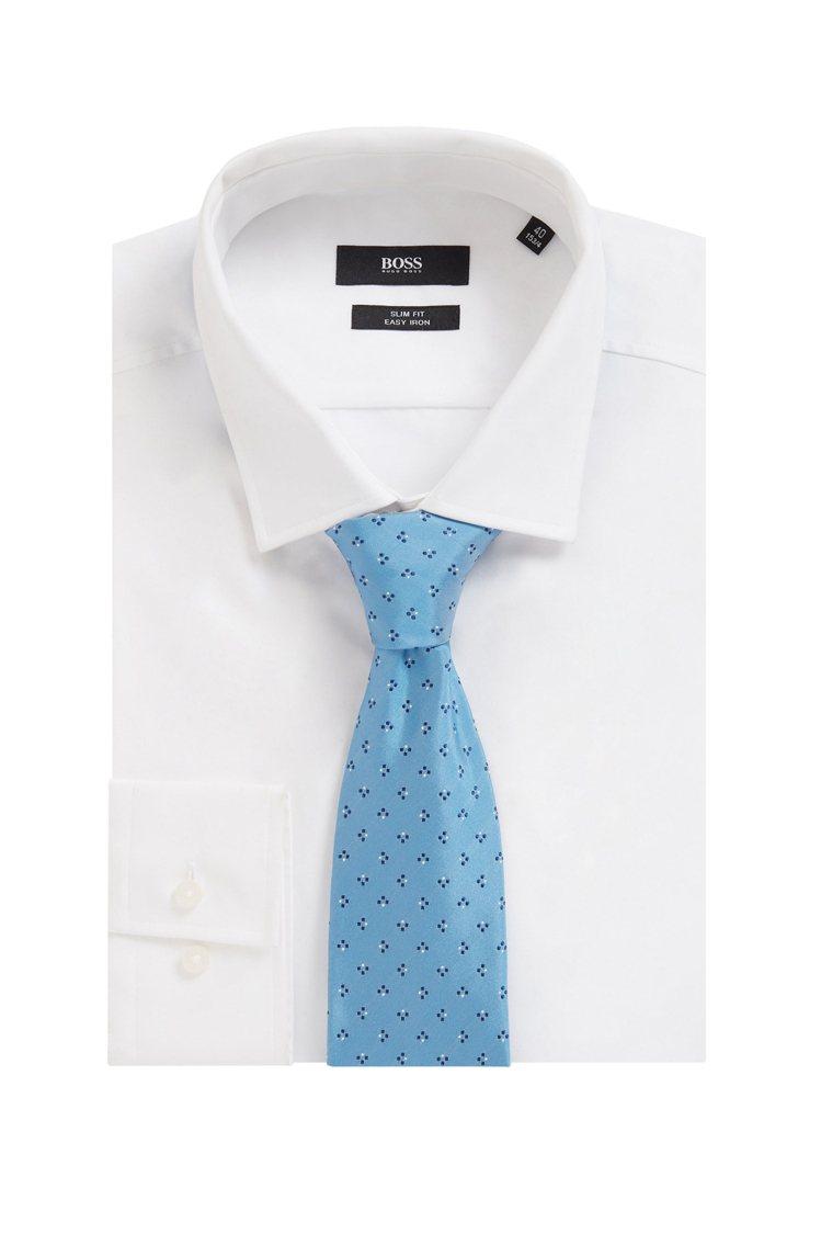 BOSS,土耳其藍幾何圖案緹花真絲領帶,2,200元。圖 / BOSS提供。