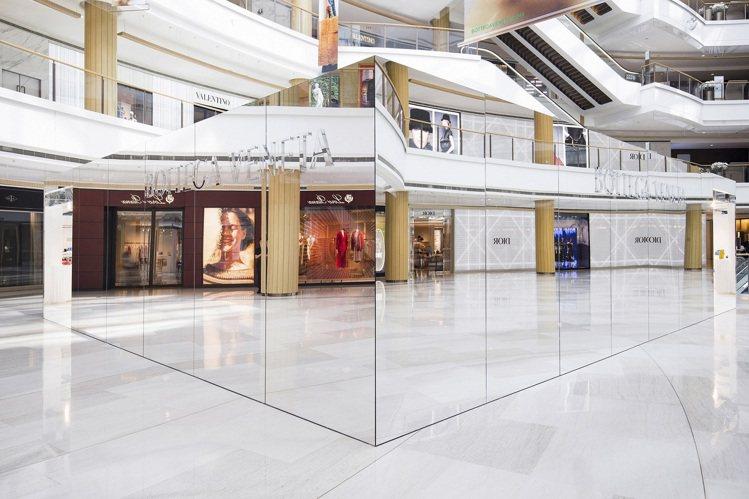 BOTTEGA VENETA在大陸上海恆隆廣場開設全新「隱市之店」概念快閃店。圖...