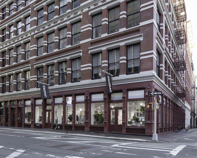KENZO近日也在紐約蘇活區格蘭街與美世街交界開設美國首間的專門店。圖/KENZ...