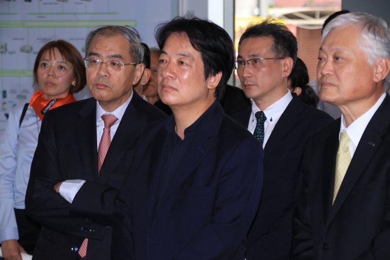 賴清德參訪研華科技。記者曾健祐/攝影