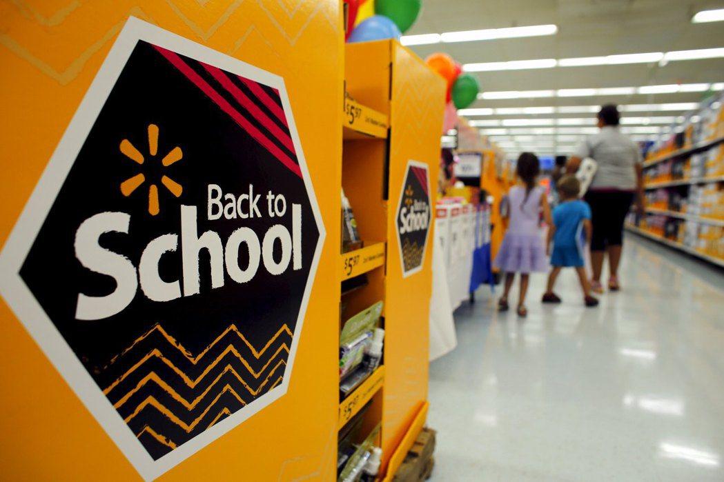 美總統川普要求今年秋季如期開學,令許多家長深感焦慮。(路透)