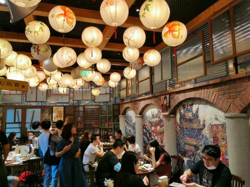 被網友稱為懷舊又溫馨的阿公阿嬤酒菜處。記者賴錦宏/攝影