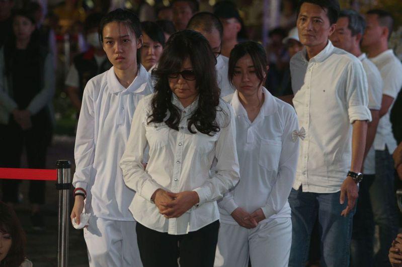 許崑源遺孀林絲娛明天將到高雄地檢署控告包括台北市議員梁文傑、桃園市議員王浩宇、名嘴姚立明。本報資料照片