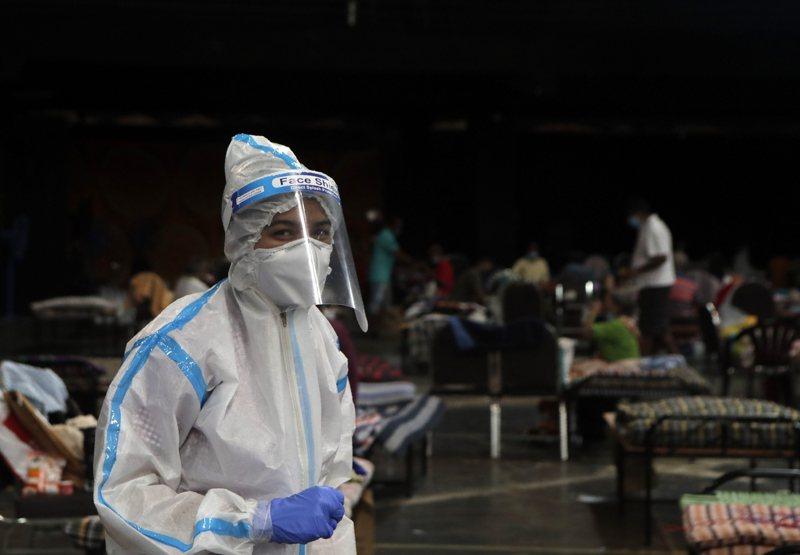 2019冠狀病毒疾病(COVID-19)疫情最嚴峻的美國,過去24小時確診感染病例新增6萬6528人,創下單日新高紀錄。 美聯社