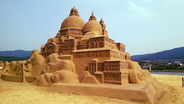 2020福隆國際沙雕藝術季(2020/5/30-9/30)。 圖/Wikipe...
