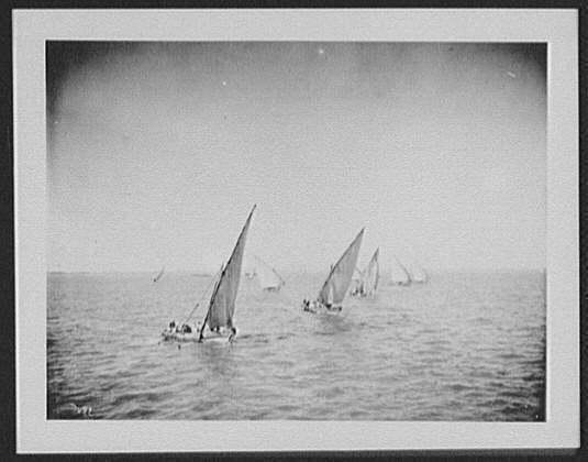 西元1200年,在歐洲人都還沒來到這2地時,美洲住民與玻里尼西亞人就能橫越太平洋交流了?(圖為舊時簡單輕筏示意圖)(photo from Wikimedia)