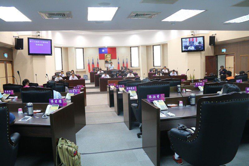 「屏東市里鄰合併案」今天由市民代表會決議通過。記者陳弘逸/翻攝