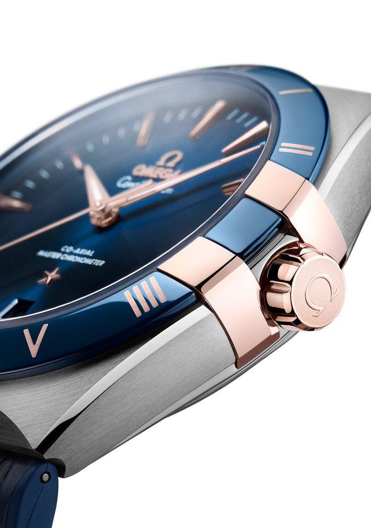 招牌的「扣爪」式設計,是星座系列的視覺經點設計。圖 / OMEGA提供。
