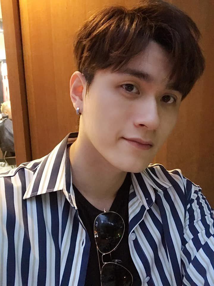 歌手邱梓謙自「超級紅人榜」節目出道。圖/摘自臉書