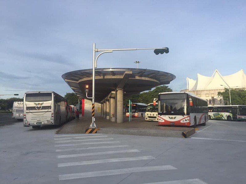 嘉義縣朴子市交通轉運站1日啟用,20條公車路線調整。記者魯永明/攝影