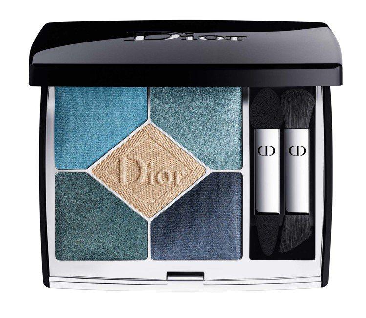 迪奧經典五色眼影#279藍色丹寧,2,450元。圖/迪奧提供