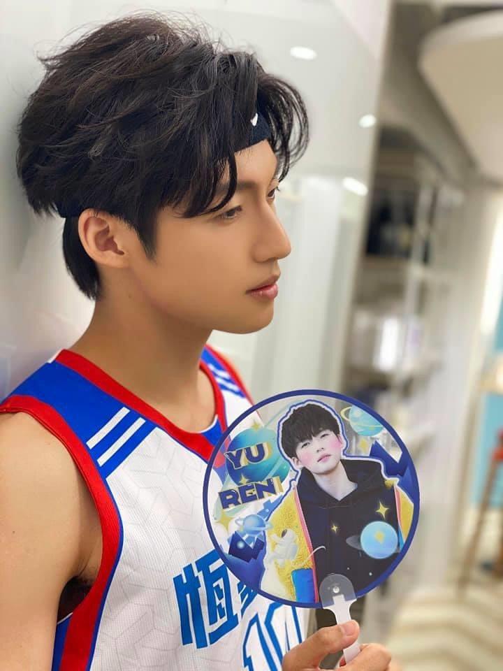 劉育仁在大學時期就是籃球校隊隊長。圖/摘自臉書