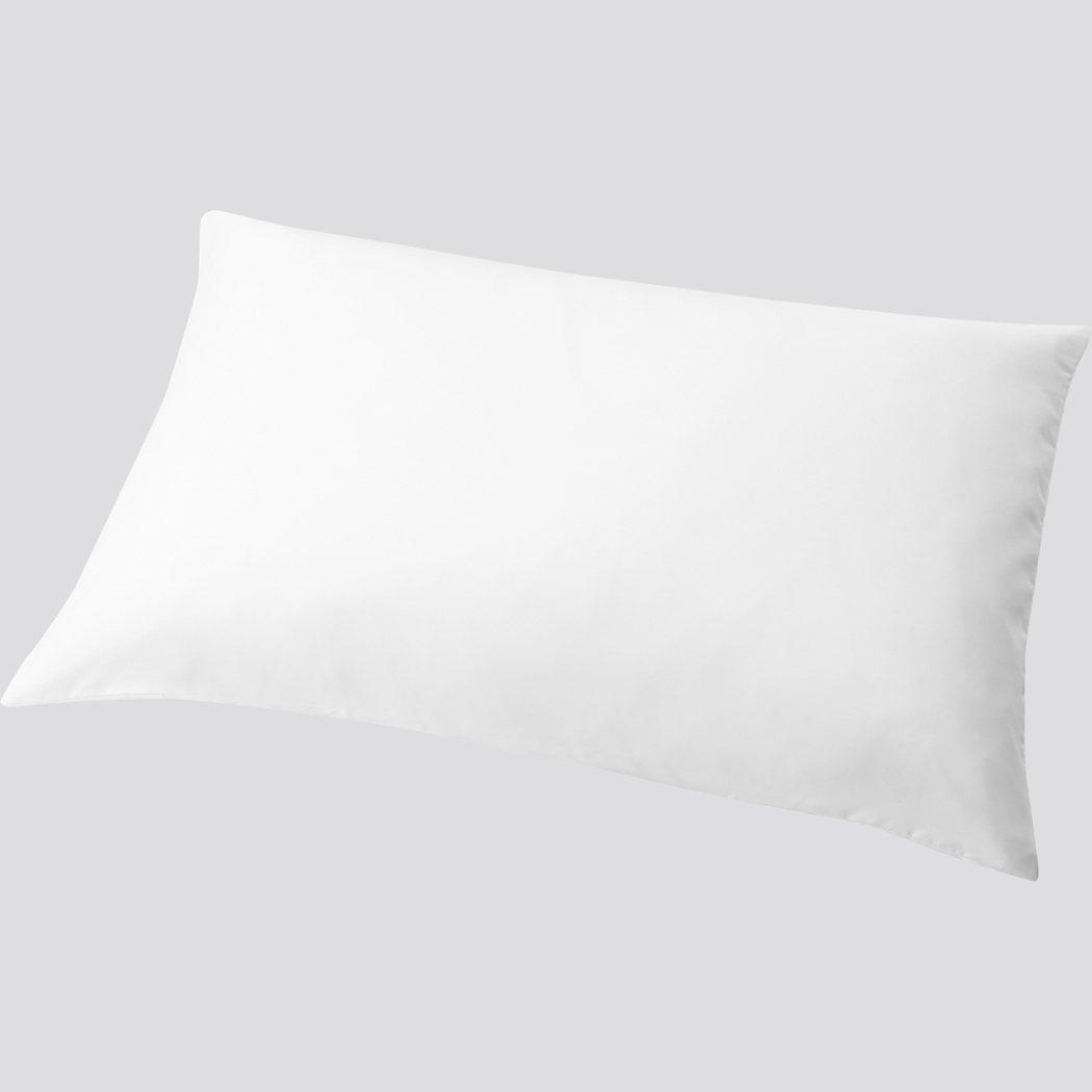 UNIQLO AIRism枕頭套290元。圖/UNIQLO提供