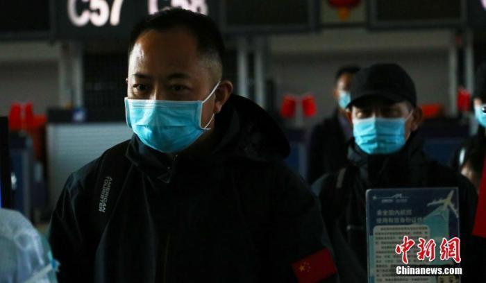 哈薩克近期爆發不明肺炎,大陸駐哈薩克大使館提醒在當地大陸公民提高防範意識,降低感...
