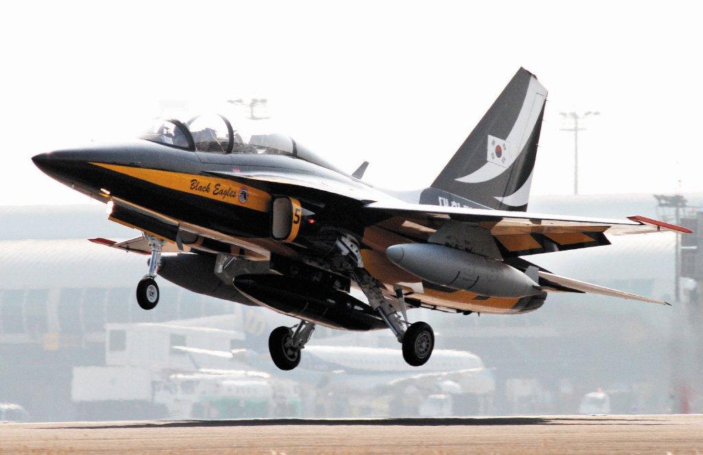 韓國T-50金鷹教練機與台灣的IDF有很多淵源,但發展過程與台灣相反。 圖/聯合報系資料照