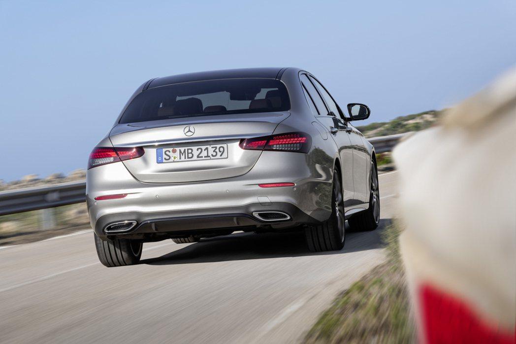 Mercedes-Benz在今年前六月共交付了935,089輛。 摘自Merce...
