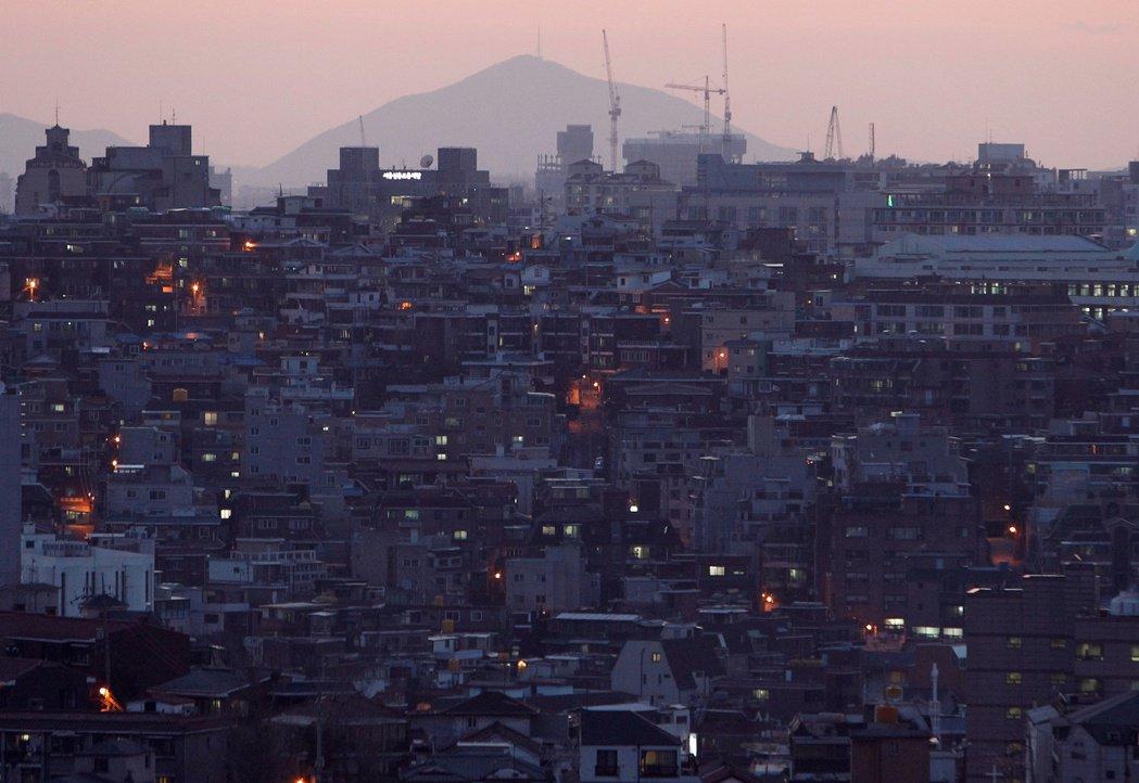 2020年7月9日下午,南韓傳出了震驚全國的重大事件:「首爾市長朴元淳,突然失蹤...