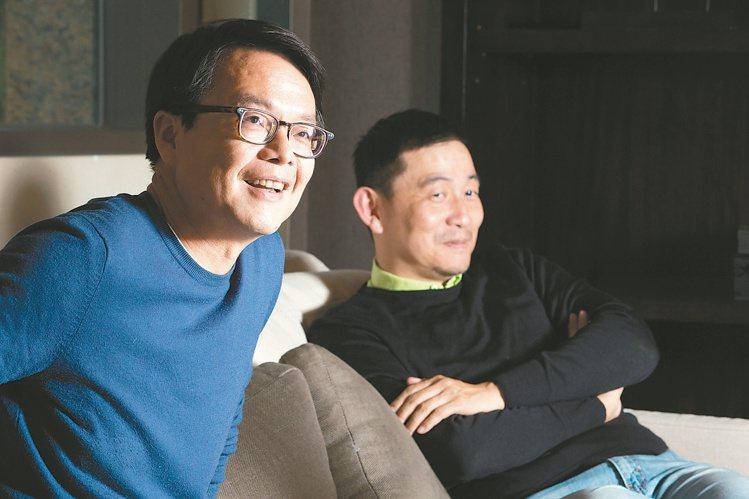 林裕森(右)與謝忠道是好友。陳立凱/攝影  ※ 提醒您:禁止酒駕 飲酒過量有...