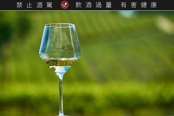 水流觴╱還我原本最自然的葡萄酒