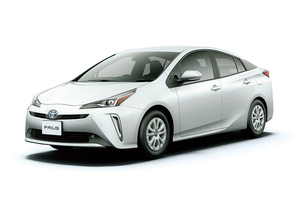 過往熱賣的Toyota Prius不只排名跌落第九名,更出現驚人的47.9%銷售...