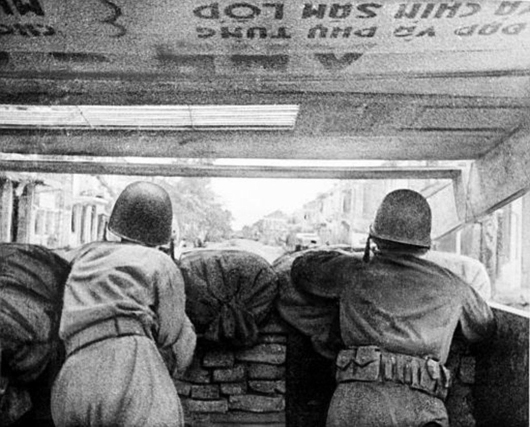 1947年與越共衝突的法國士兵。 圖/美聯社