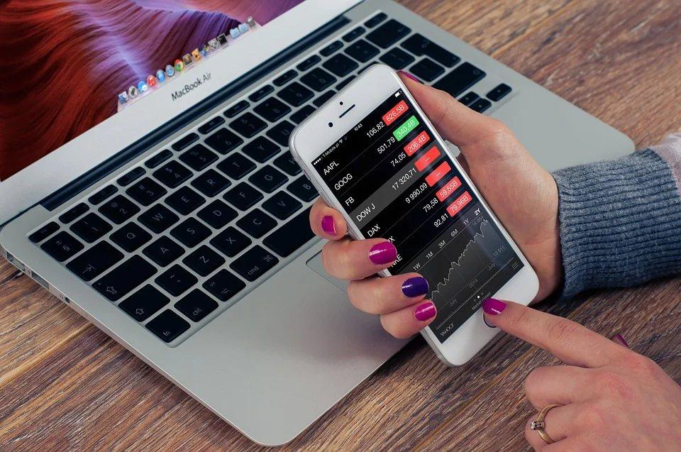 設定投資目標:為每一筆子帳戶設置「計劃名稱」,選擇不同的「投資工具」,來達到這個...