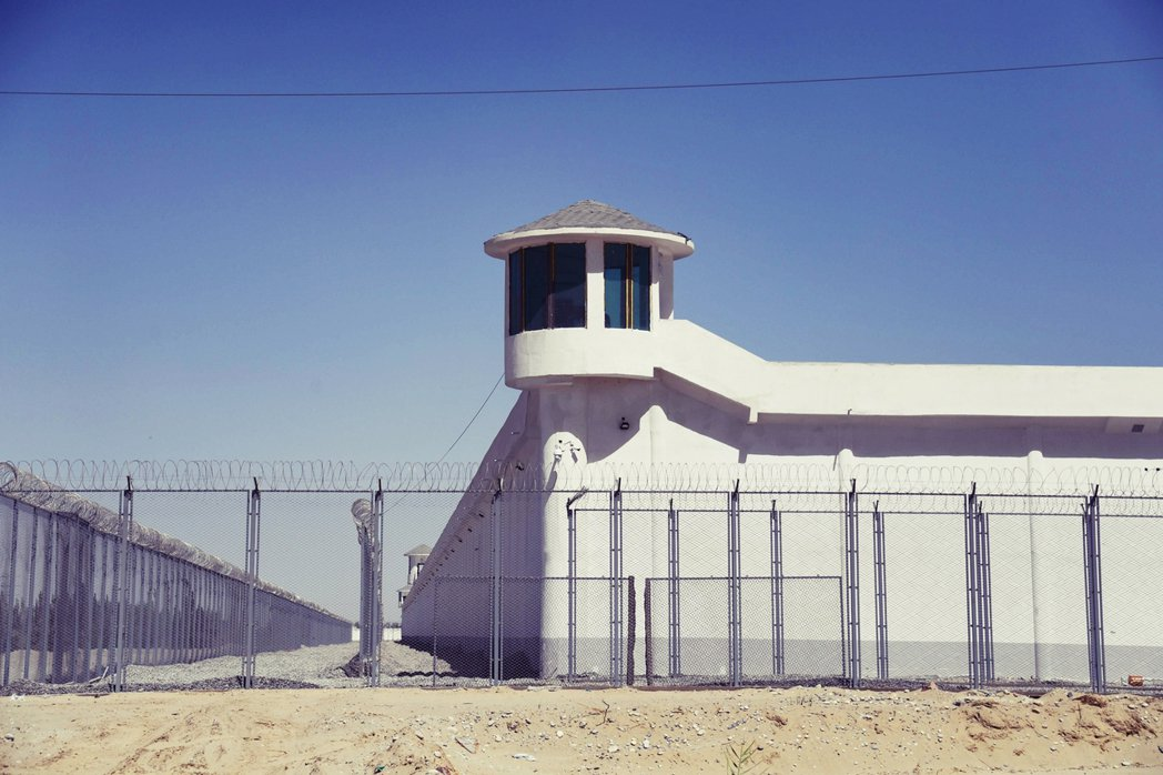 2019年資料照片。圖為新疆一處被外界普遍認為是「再教育營」的封閉建築。 圖/法...