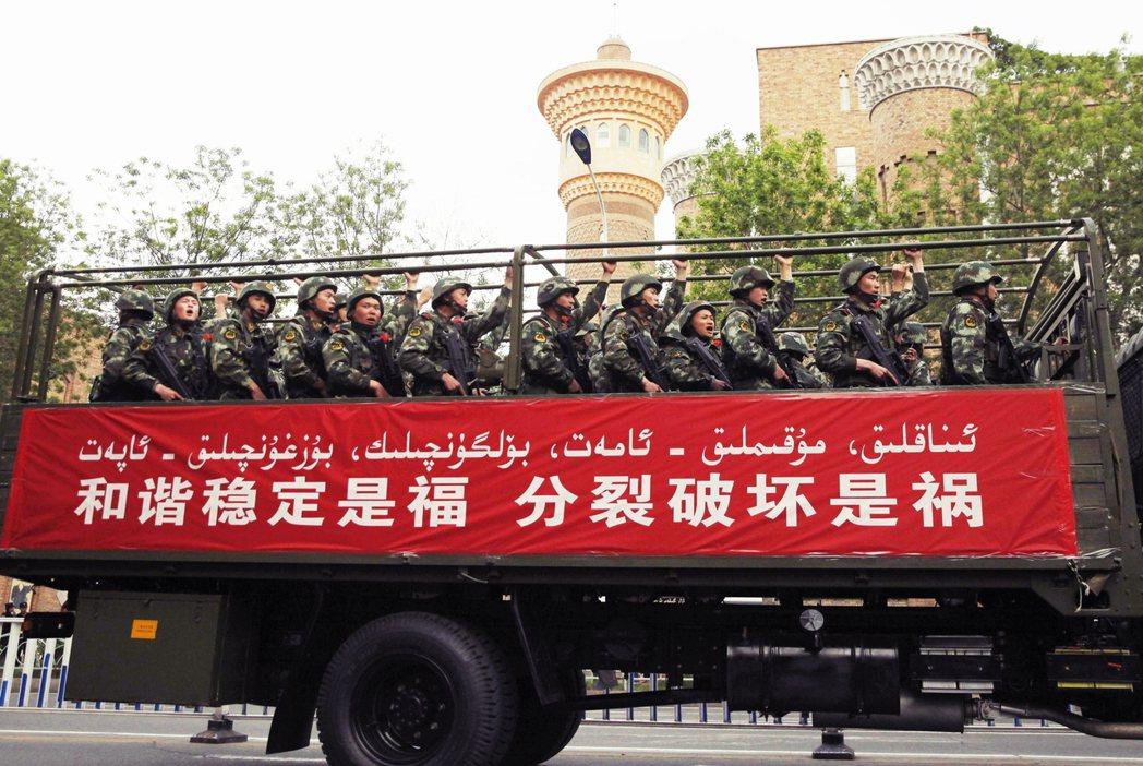 在2009年「烏魯木齊七五事件」後,中國中央政府對於維吾爾自治區的管控,就因維穩...