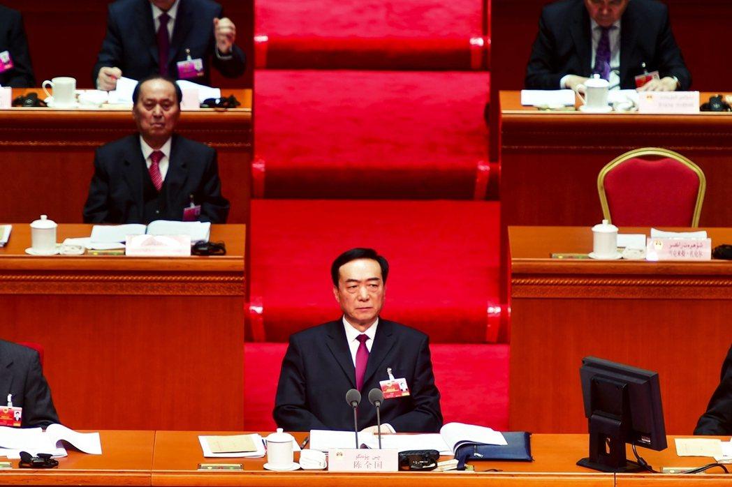 被視為「新疆再教育營政策一把手」的新疆黨委書記陳全國,9日遭到美國公開制裁。 圖...