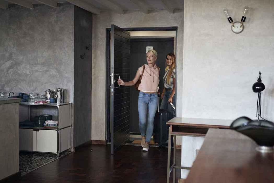 Booking.com揭密旅客在「選擇旅宿最在意的十大住宿設施」。圖/Booki...