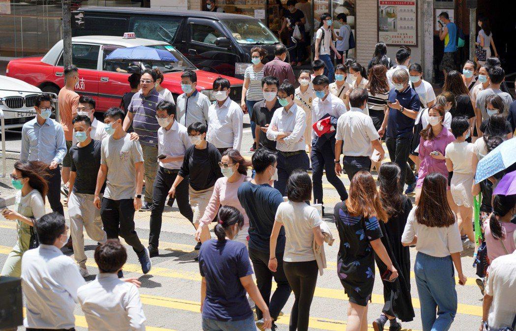 圖為香港銅鑼灣街頭近日景象。(香港中通社)