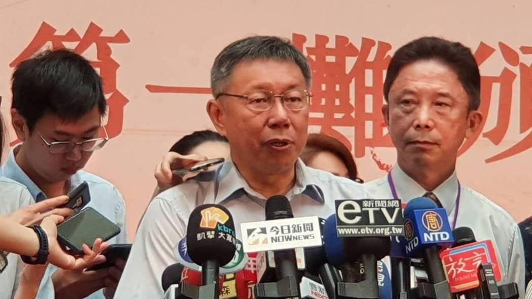 台北市長柯文哲上午出席「天下第一攤」頒獎活動時受訪。記者楊正海/攝影