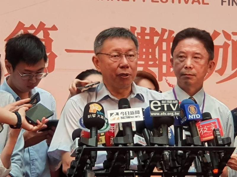 台北市長柯文哲上午出席「天下第一攤」頒獎活動時受訪 記者楊正海/攝影