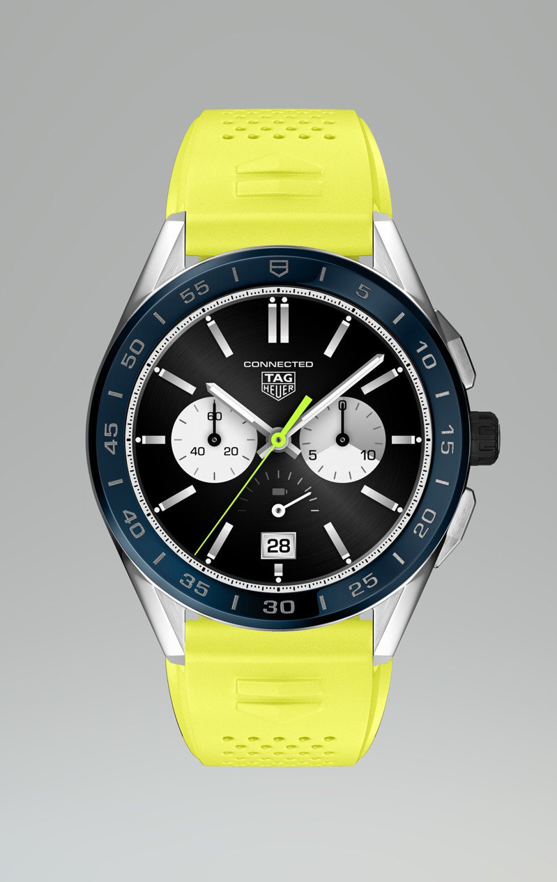 泰格豪雅夏季限定Connected智能表,不鏽鋼表殼、藍色陶瓷表圈,螢光黃色橡膠表帶58,900元。圖/TAG Heuer提供