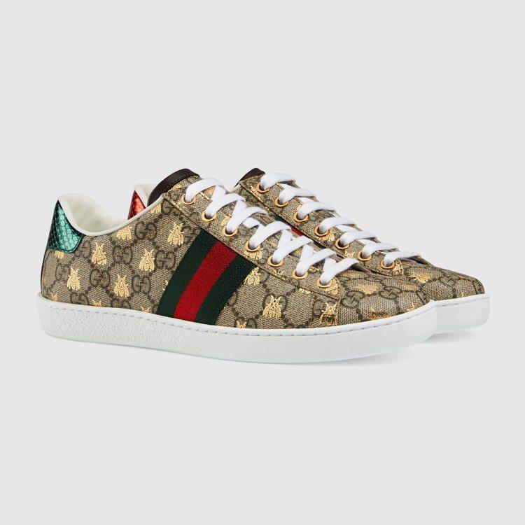 GUCCI Ace蜜蜂印花運動鞋,23,500元。圖/GUCCI提供