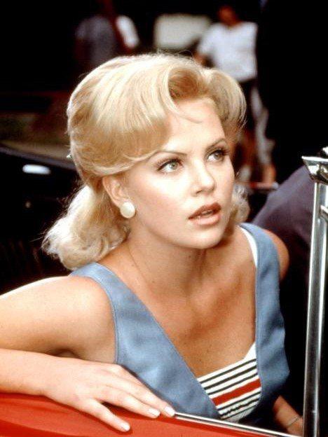 「擋不住的奇蹟」是莎莉賽隆在好萊塢最早的演出之一。圖/摘自imdb
