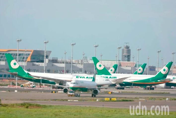 因應航班減少,長榮航空推出專案事假讓員工自由選擇。本報資料照
