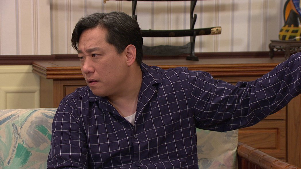 阿龐在「生生世世」中飾演作風強勢的地方仕紳。圖/台視提供