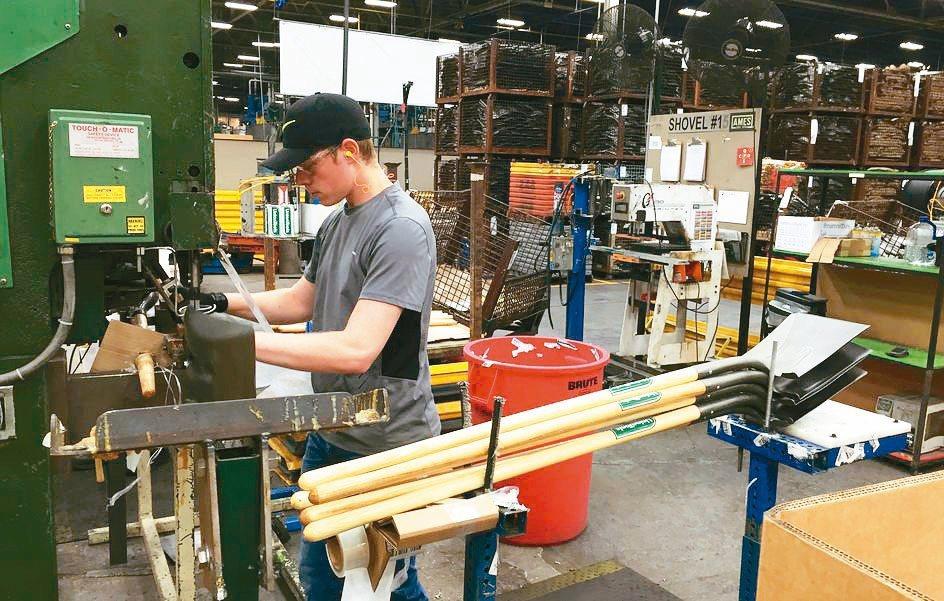 美國公布5月生產者物價指數(PPI)持續大幅上升,最終需求、核心與雙核心PPI的...